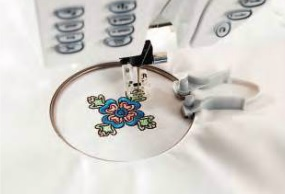 Husqvarna Viking Mini Embroidery Spring Hoop (40x40mm)